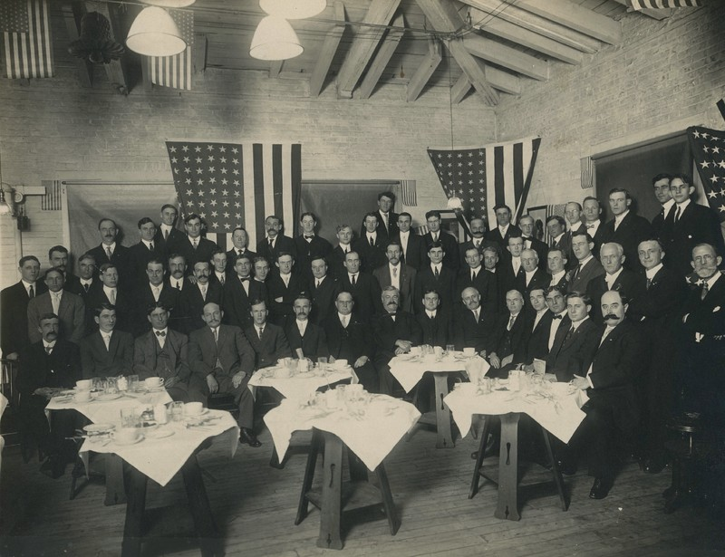 Banquet 1911--front.jpg