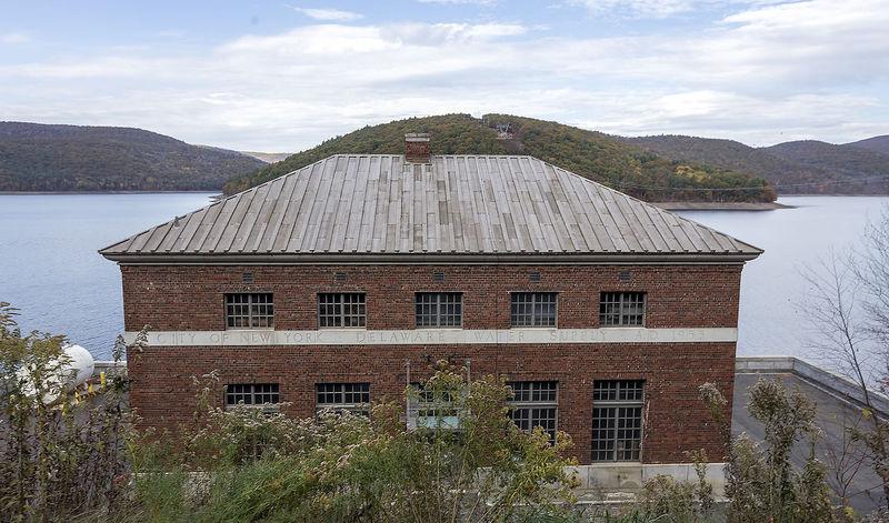 East_Delaware_Aqueduct_building_Pepackton_Reservoir_NY1.jpg