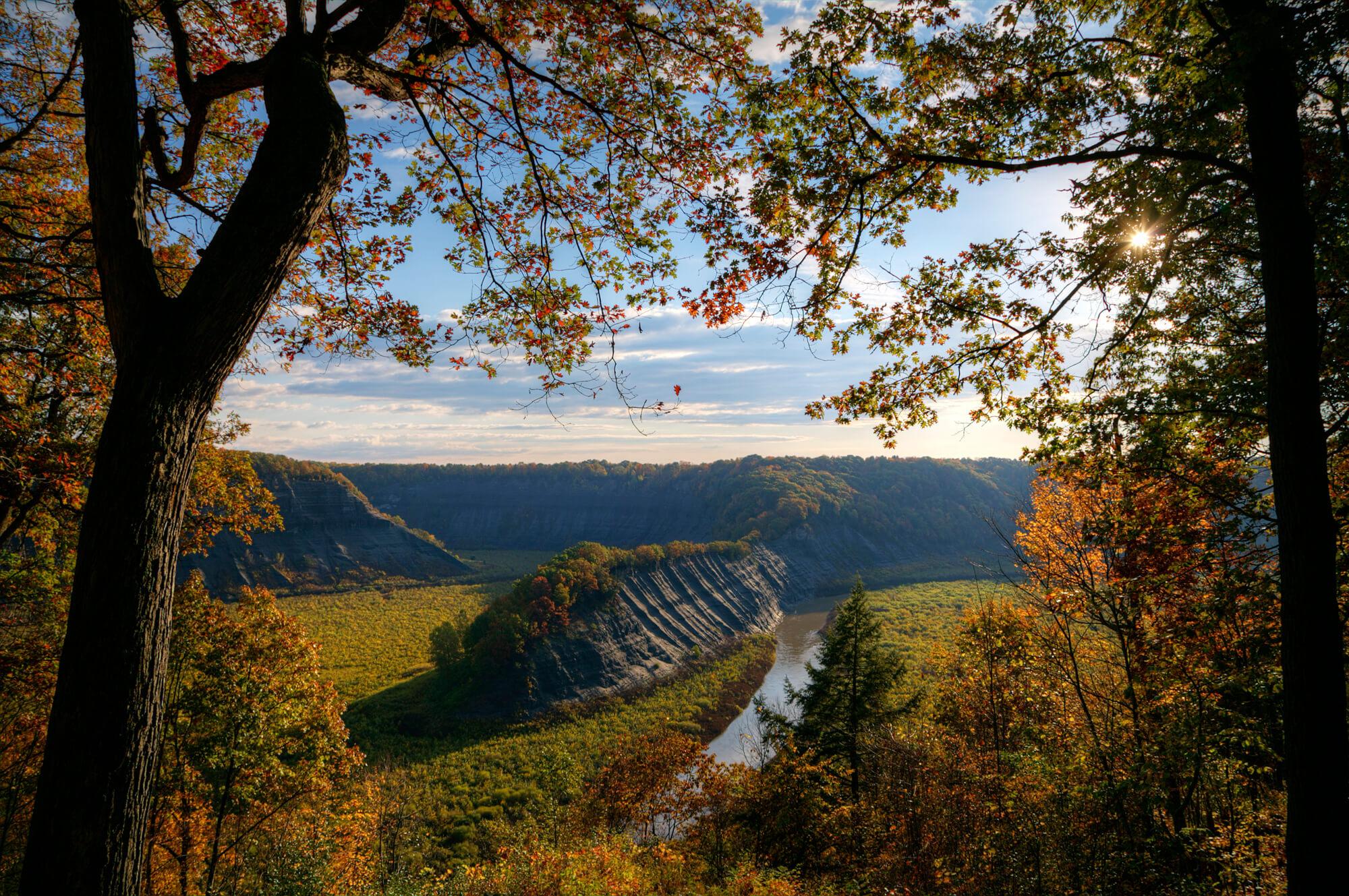 Hogsback-Overlook-Letchworth-State-Park