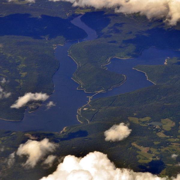Aerial_-_Cannonsville_Reservoir,_NY_01_-_white_balanced_(9641753452).jpg